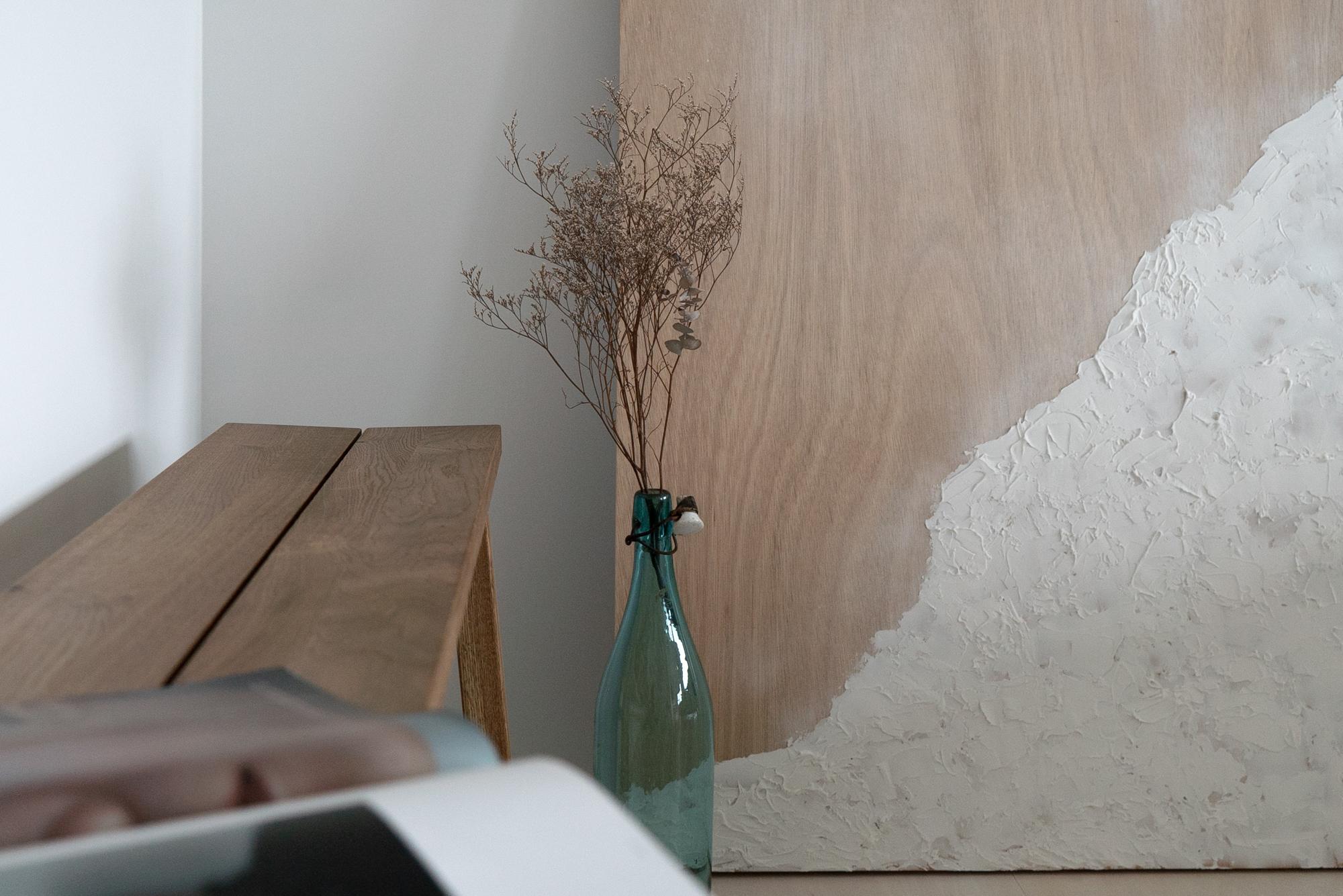 朝日プラザフローラル駅西 モデルルーム / 壁に立てかけられた絵画