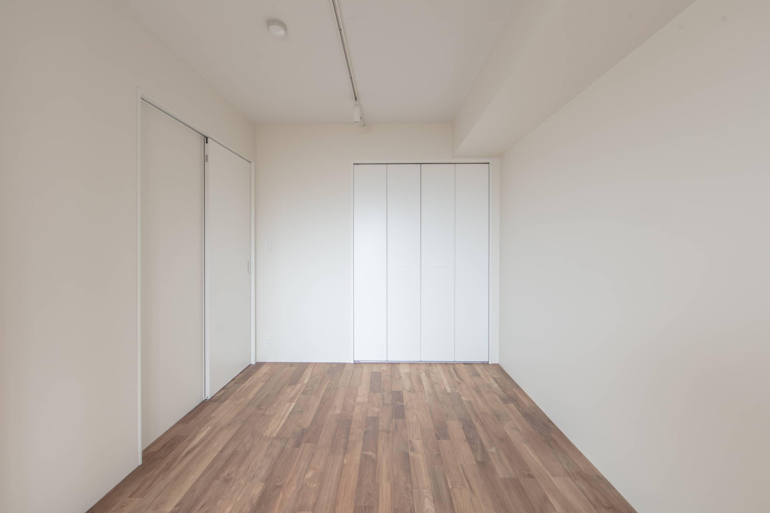 ロイヤルシャトー泉本町モデルルーム / 洋室