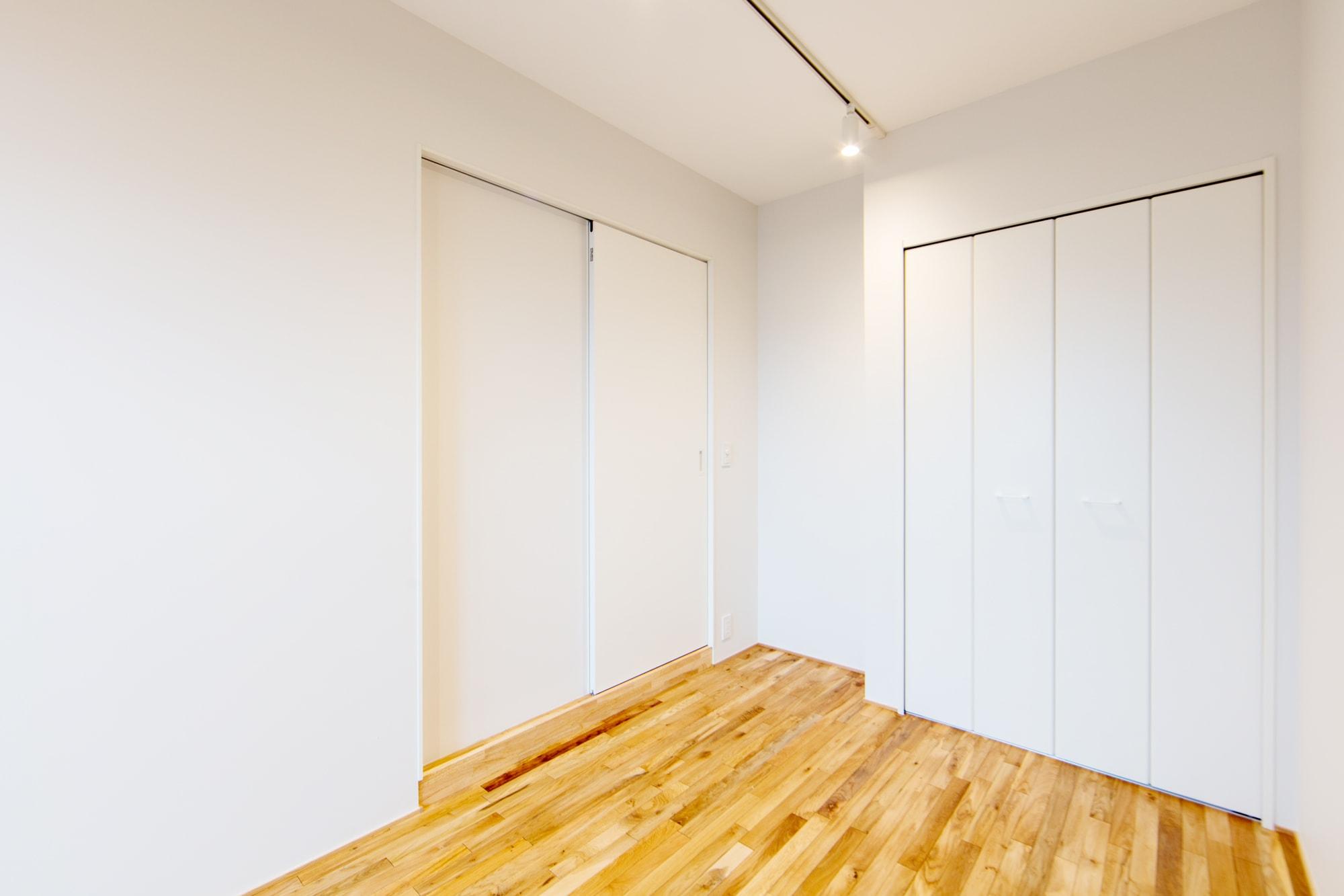 ロイヤルシャトー泉本町 / 洋室