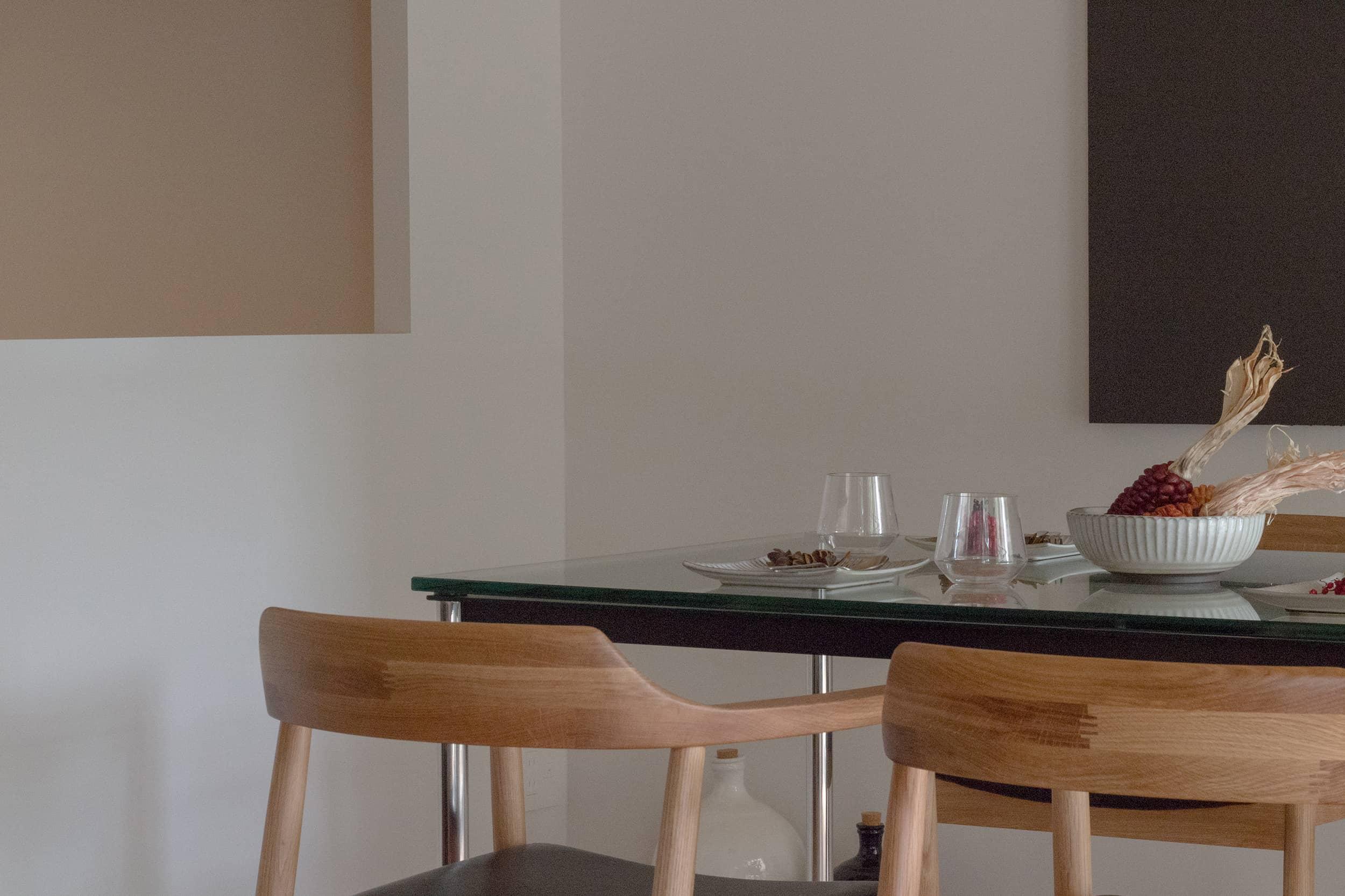 蒲田グリーンパークモデルルーム / ダイニングテーブルとチェア