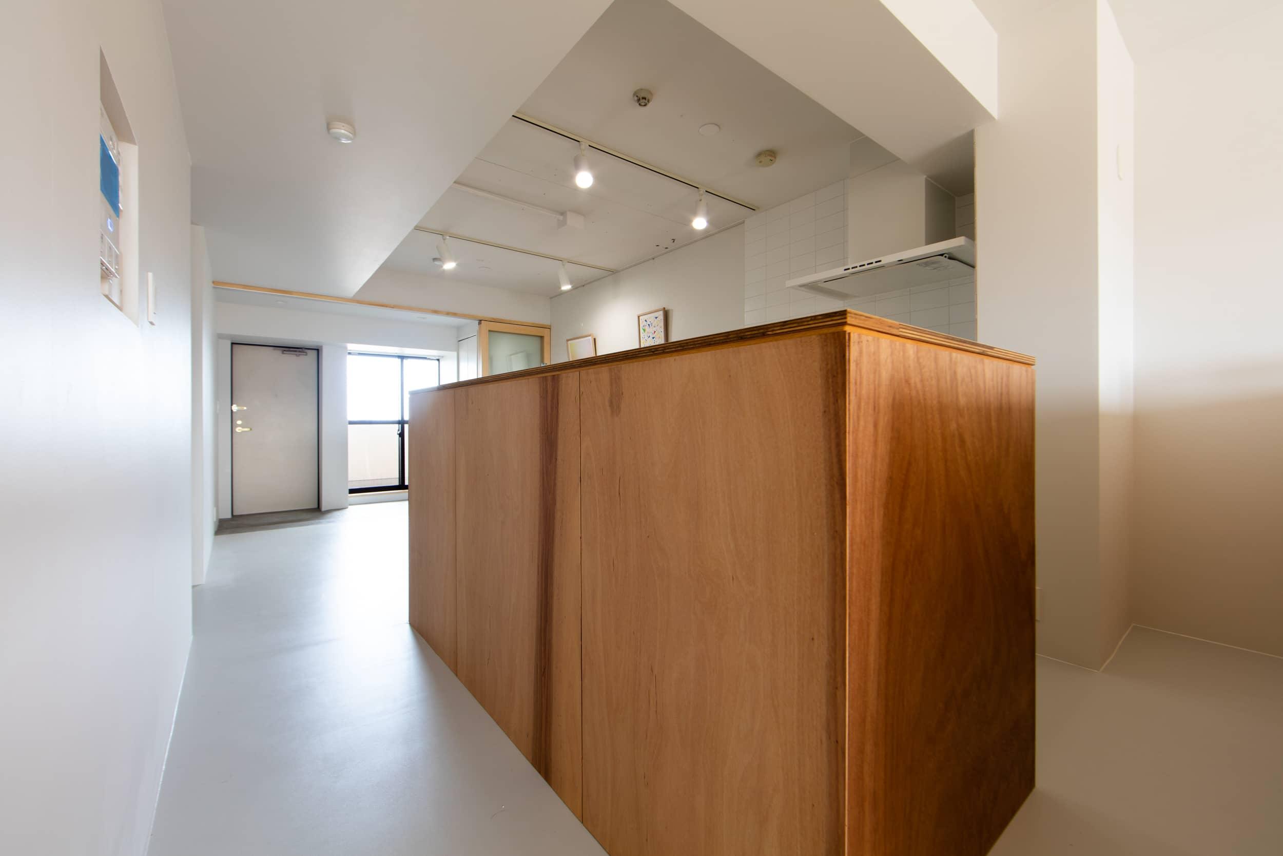 ロイヤルシャトー泉本町1108モデルルーム / 木製の造作キッチン