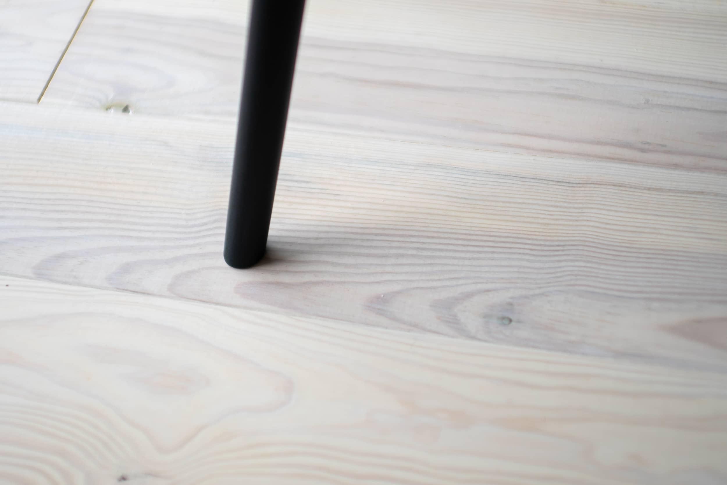 ロイヤルシャトー金沢泉丘102モデルルーム / 白木の床