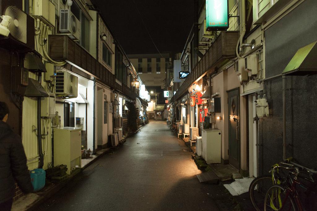 夜の飲み屋街