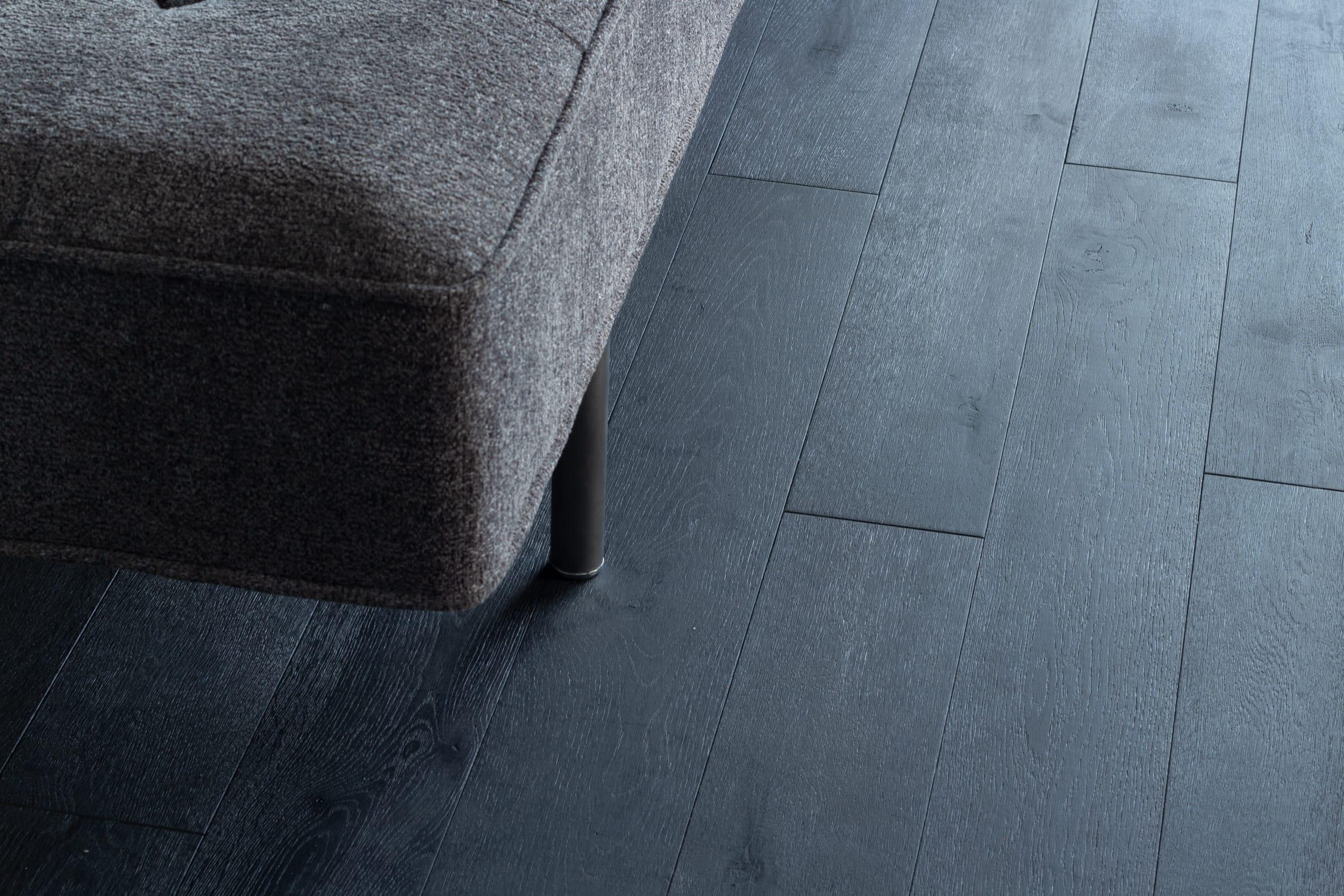 代々木コンド / 重くなりすぎず、けれど落ち着いた印象の床